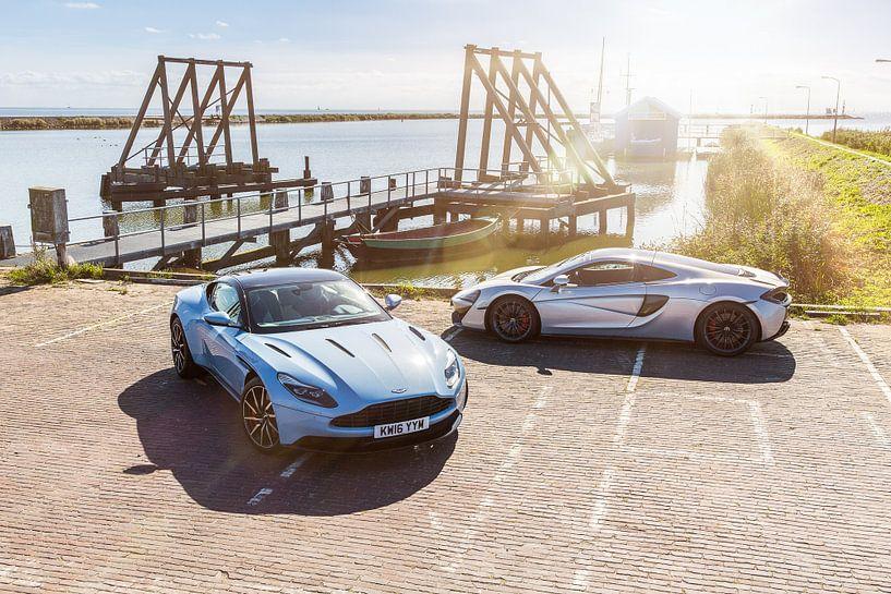 Mclaren 570GT vs Aston Martin DB11 van Martijn Bravenboer