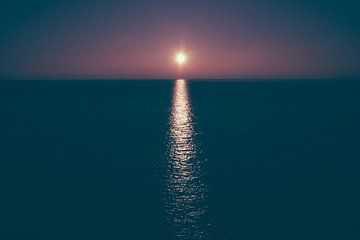 Zonsondergang boven de waddenzee nabij Terschelling van