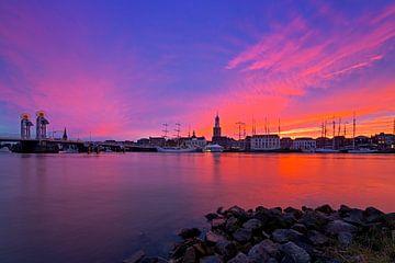 Kampen au coucher du soleil rouge violet sur Anton de Zeeuw