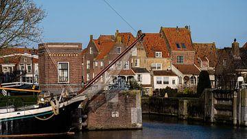 Enkhuizen aan het IJsselmeer van Elly van Veen
