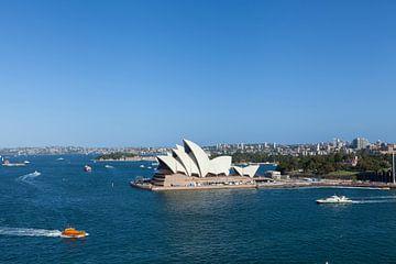 Sydney Skyline mit dem Opera House, einem der bekanntesten Wahrzeichen von Sydney und Australien. von Tjeerd Kruse