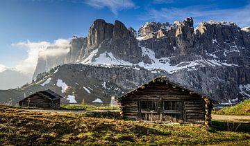 Holzhütte am Grödner Joch von Michael Blankennagel
