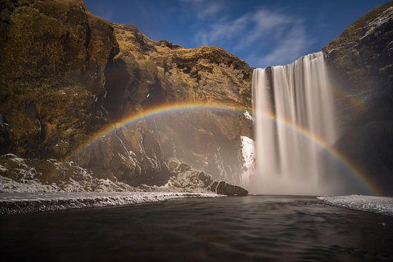 Skogafoss rainbow van Wojciech Kruczynski