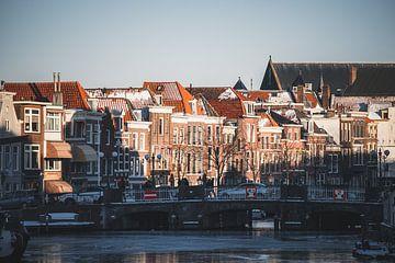 Een late winterse namiddag in Leiden van Tes Kuilboer