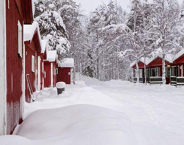 Finnland, Häuser im Schnee von Frank Peters