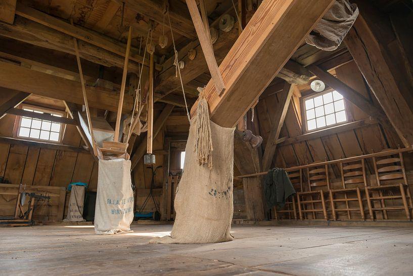 Interieur molen Bataaf in Winterswijk  van Tonko Oosterink