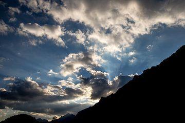 Wolken überm Tal von Alexander Wolff