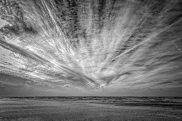 Nordseestrand mit seinen Unheilschwanger Himmel von eric van der eijk