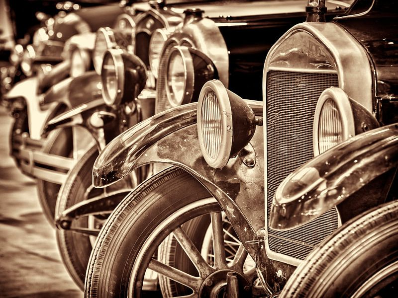 Rij  klassieke Ford T's van Martin Bergsma
