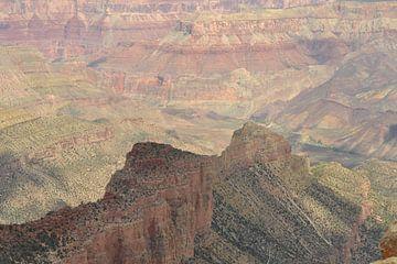 Farbenprächtige Felsformationen im Grand Canyon von Bernard van Zwol