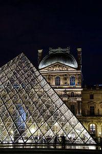 Louvre by Night 2 van