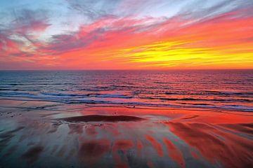 Geweldige zonsondergang aan de Noordzee in Nederland van Nisangha Masselink
