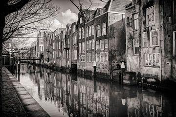 Dordrecht hinter der Grote Kerk, Voorstraathaven von Rob van der Teen