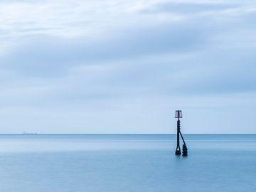 Schemerlamp op zee van Arina Keijzer