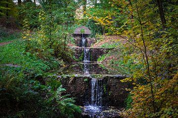 Waterval in het bos van Patrick Verhoef