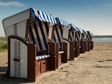 Norderney dans un fauteuil de plage en osier sur Karin Luttmer