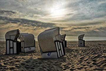 Strandkörbe im Sonnenaufgang von Joachim G. Pinkawa
