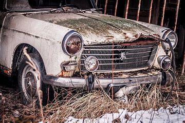 Oude Peugeot van Julian Buijzen