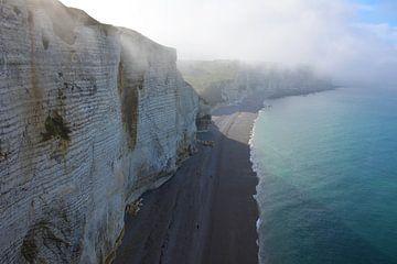 Kreidefelsen Etretat Frankreich im Nebel von My Footprints