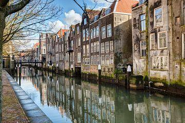 Dordrecht achter de Grote Kerk, Voorstraathaven van Rob van der Teen