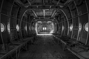 Verlaten vrachtvliegtuig van Frans Nijland
