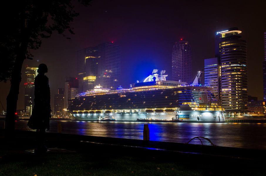 Oasis of the Seas in Rotterdam van Maurice Verschuur