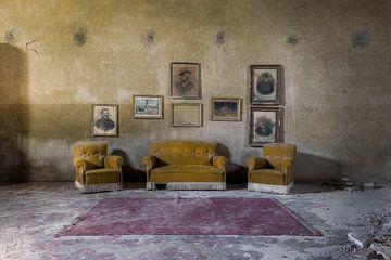canapés abandonnés sur Kristof Ven