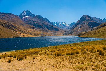 Meer in Peru van Peter Apers