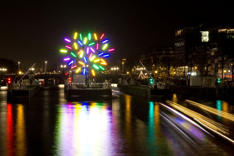 Amsterdam by night van Simone Meijer