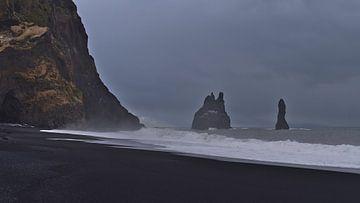 Schwarzer Strand von Reynisfjara von Timon Schneider