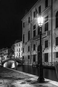 VENEDIG Rio di San Vio & Palazzo Cini | Monochrom  von Melanie Viola