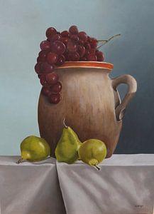 Dose mit Birnen und Trauben
