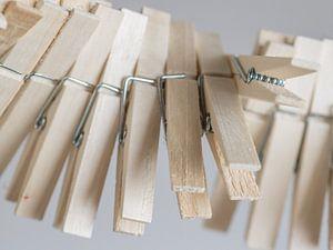 Wasknijpers op een touw van