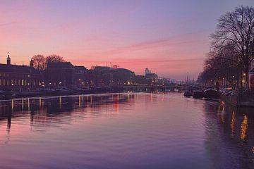 Amsterdam, Amstel in de ochtend von Henk van Brecht