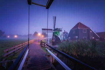 Windmolens op de Zaanse Schans op de vroege ochtend van Albert Dros