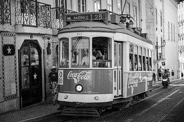 Oldtimer-Straßenbahn Lissabon von Cindy Schipper