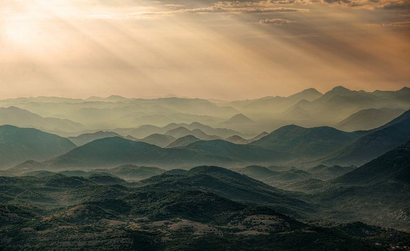 Zonsondergang in Montenegro van Gerard Burgstede