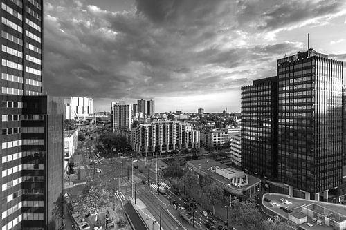 Churchillplein Rotterdam in zwartwit van