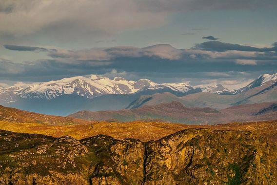 Norwegische Berge von Patrick van Oostrom