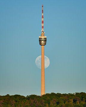 Volle maan achter de TV-toren van Keith Wilson Photography