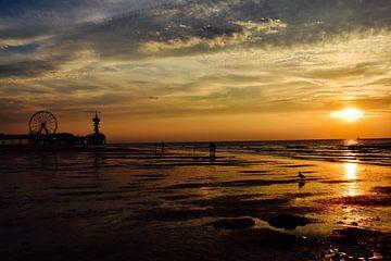 Zonsondergang in Scheveningen van Jan Radstake