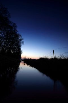 Am Fluss von Mike Ahrens