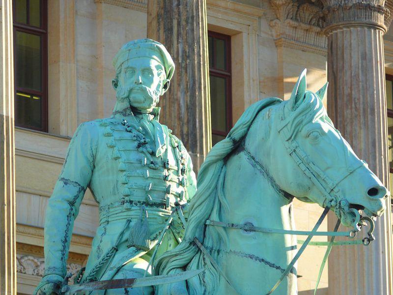 Reiterstandbild Friedrich Wilhelm (Der Schwarze Herzog) vor dem Schloss  van Ralf Schroeer