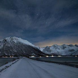 Winternacht op Lofoten van Hetwie van der Putten