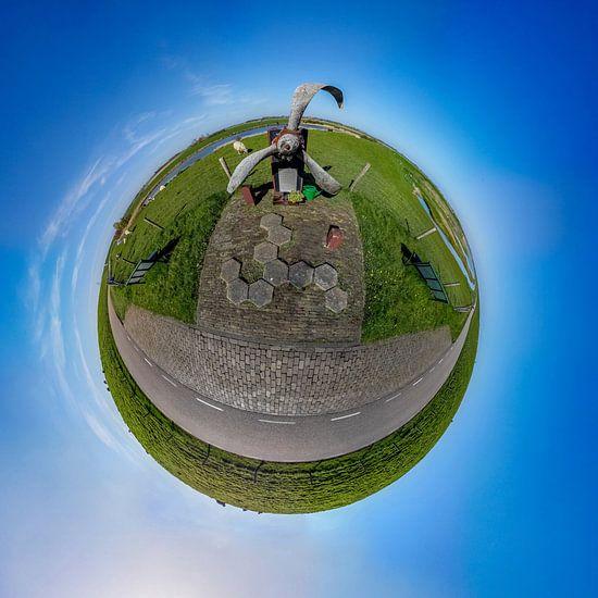 Tiny Planet Lancastermonument Texel van Texel360Fotografie Richard Heerschap