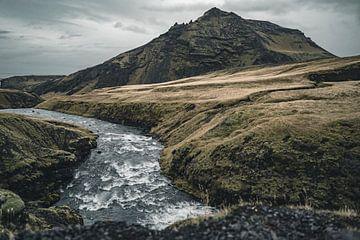 Skoga rivier in IJsland van Colin van Wijk