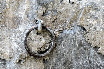 Metalen ring van Nicole de Leest