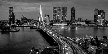 Skyline Rotterdam by Night  - Rotterdams Finest !  ZW von Sylvester Lobé