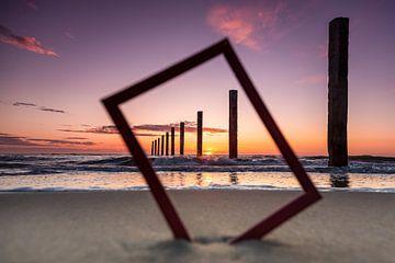 Zonsondergang op het strand van Marcel van den Bos