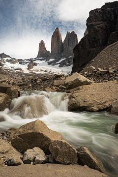 Torres Del Paine, de blauwe Torens-2 von Gerry van Roosmalen